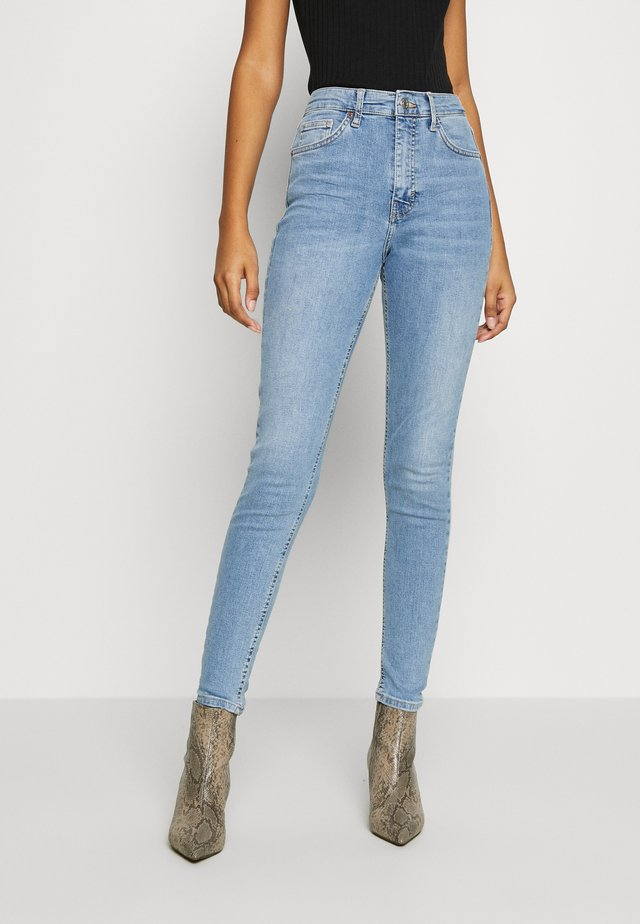 BACK POCKET JAMIE  - Jeansy Skinny Fit - bleach