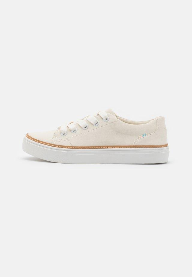 ALEX VEGAN - Sneakers laag - birch