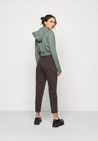 Even&Odd Petite - Zip-up hoodie - green - 2