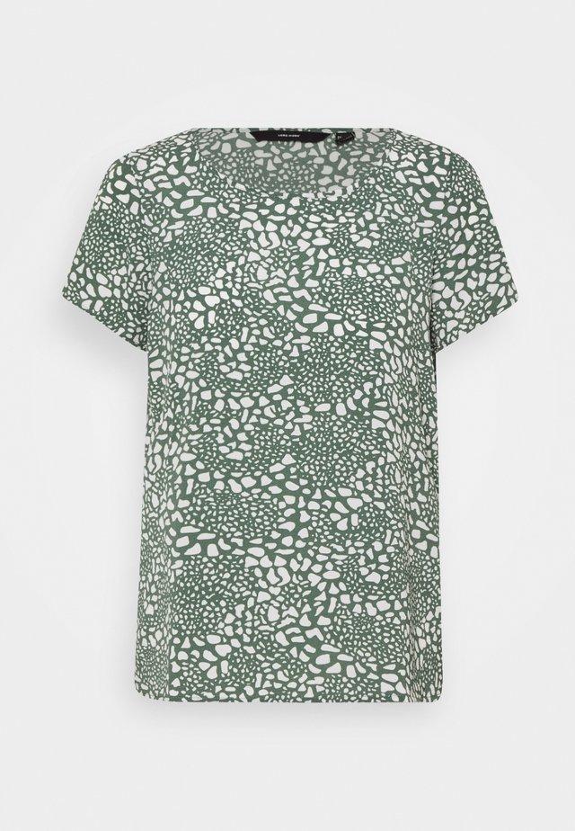 VMSAGA - Basic T-shirt - laurel wreath/danna