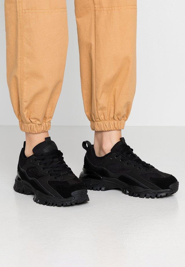 BUMPY - Sneakers laag - black