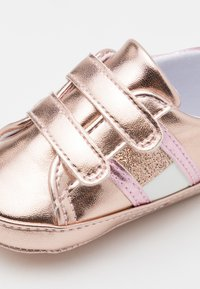 Tommy Hilfiger - First shoes - rose gold - 5