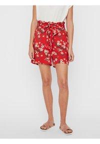 Vero Moda - Shorts - goji berry - 0