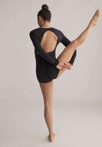 OYSHO - SHORT COMFORT  - Gym suit - black - 3