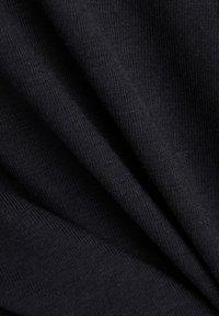 Esprit Sports - Print T-shirt - black - 6