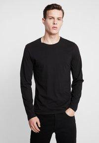 Levi's® - SLIM CREWNECK 2 PACK - Långärmad tröja - white/black - 2