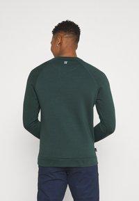 11 DEGREES - CORE - Sweatshirt - darkest spruce grey - 2