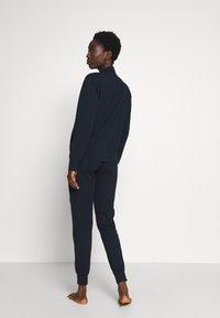 Emporio Armani - JACKET AND PANTS WITH CUFFS SET - Pyjama set - blu navy - 2