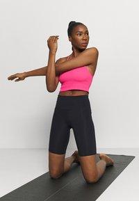 Cotton On Body - HIGHWAISTED MID LENGTH BIKE SHORT - Medias - core black - 1