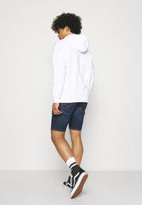 Levi's® - 412™ SLIM - Denim shorts - hi bye bye - 2