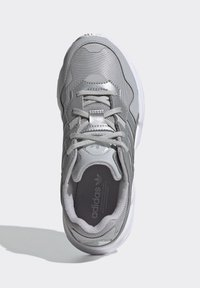 adidas Originals - YUNG-96 SHOES - Trainers - gray - 1