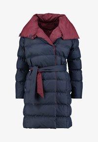 PADDED WRAP COAT - Zimní kabát - navy
