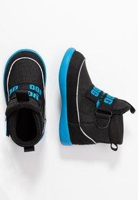 UGG - TABOR - Kotníkové boty - black - 0