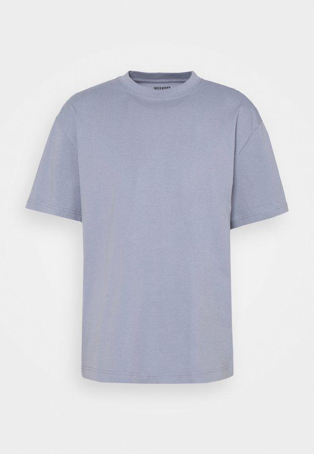T-shirts - grey blue