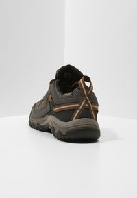 Keen - TARGHEE III WP - Hiking shoes - black olive/golden brown - 3