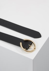 Pieces - PCOFELIA JEANS BELT - Ceinture - black/gold - 2