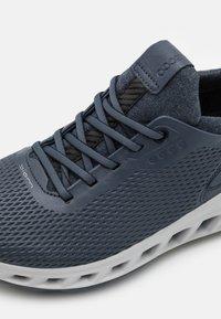 ECCO - M. BIOM COOL PRO - Chaussures de golf - ombre - 5