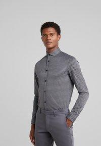 DRYKORN - SOLO - Zakelijk overhemd - dark grey - 0
