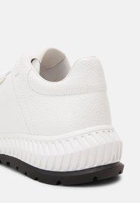 Emporio Armani - Sneakers - white - 4