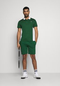 Lacoste Sport - MEN TENNIS - Sports shorts - green - 1