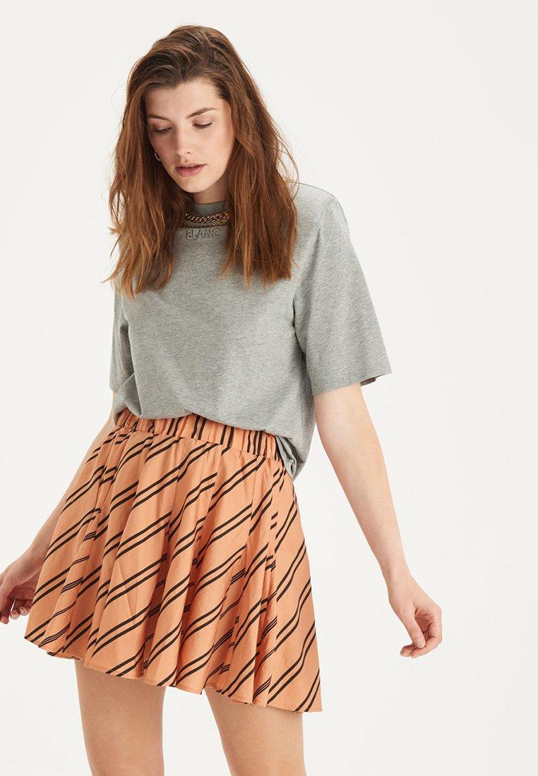Damen SALLY TEE - T-Shirt basic