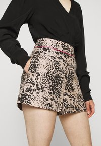 J.CREW - LEOPARD SAILCLOTH - Shorts - ashen black - 5