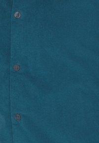 DOCKERS - ALPHA SPREAD COLLAR - Shirt - deep dive - 2