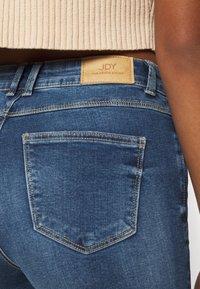 JDY - JDYNEWFLORA NEELA LIFE HGH FLARE  - Jeans Straight Leg - medium blue denim - 3