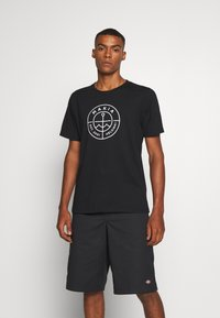 Makia - RE SCOPE - Print T-shirt - black - 0