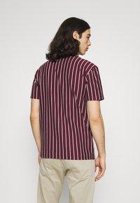 Newport Bay Sailing Club - 2 PACK - Print T-shirt - black / burgundy - 2
