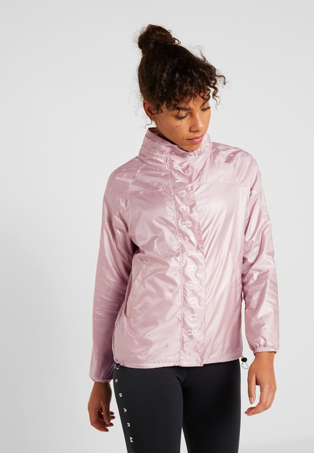 ATHLETE RECOVERY IRIDESCENT JACKET - Běžecká bunda - dash pink