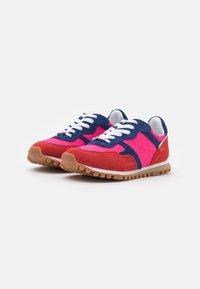Liu Jo Jeans - Sneakersy niskie - rouge/cobalt/fuxia - 2
