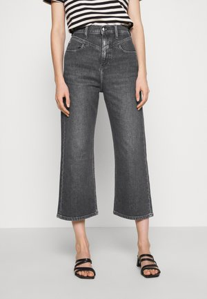 SUPER HIGH RISE WIDE LEG CROP - Relaxed fit jeans - washed black yoke