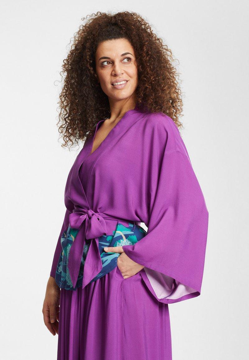 Collectif - SABINE PEACOCK  - Summer jacket - purple