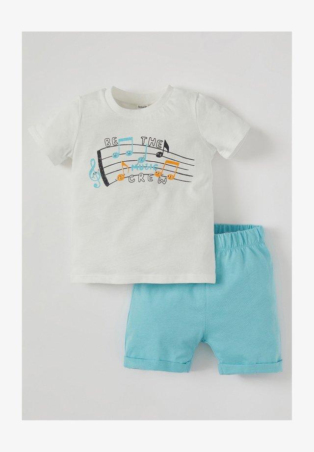 SET - Shorts - beige