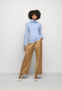 Temperley London - HONEYCOMB JUMPER - Svetr - powder blue
