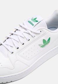 adidas Originals - NY 90 UNISEX - Matalavartiset tennarit - white/green/vivid green - 4