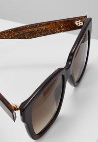 Marc Jacobs - Sluneční brýle - brown - 2