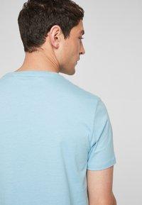 s.Oliver - Print T-shirt - light blue - 3