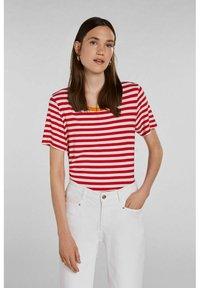 Oui - Print T-shirt - white red - 0