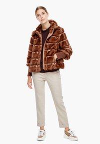 s.Oliver BLACK LABEL - Winterjacke - fake fur - 1