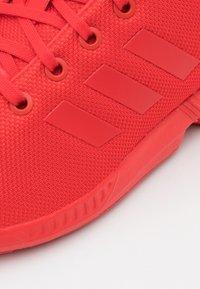 adidas Originals - ZX FLUX UNISEX - Trainers - red - 5