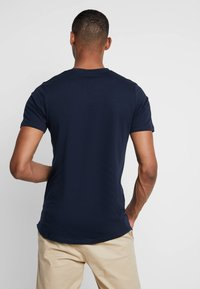 Jack & Jones PREMIUM - JPRMISA TEE CREW NECK - Basic T-shirt - navy blazer - 2
