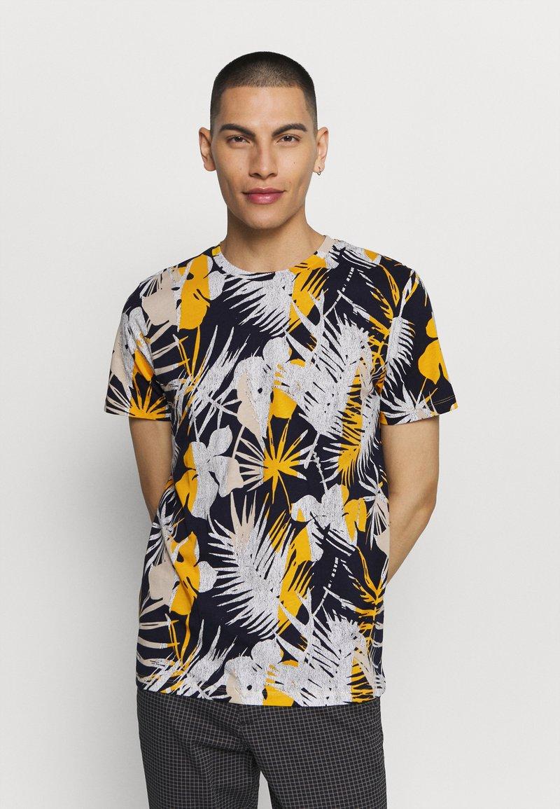 Jack & Jones - JORNIKO  - T-shirt print - spicy mustard