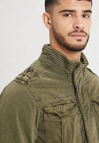 INDICODE JEANS - HUCKLE - Summer jacket - army - 3