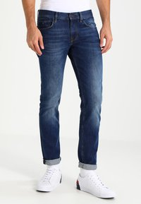 Tommy Hilfiger - DENTON - Jeans straight leg - new mid stone - 0