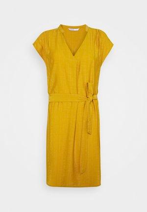 ONLJOSEY V NECK DRESS - Vapaa-ajan mekko - nugget gold
