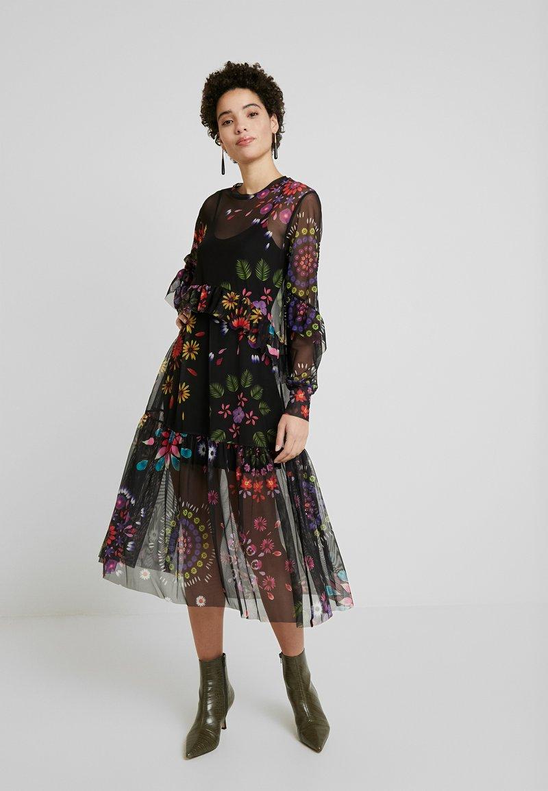 Desigual - VEST PORTLAND - Robe d'été - black
