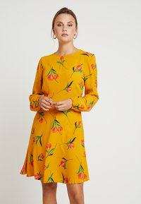 mint&berry - Day dress - yellow - 0