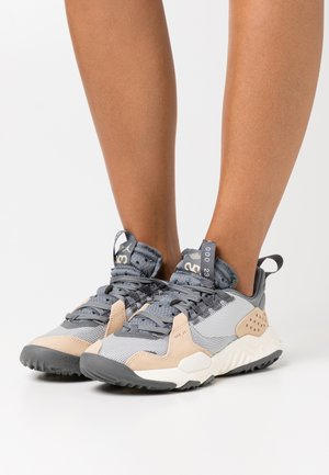 DELTA - Joggesko - grey fog/iron grey/smoke grey/white onyx/sail